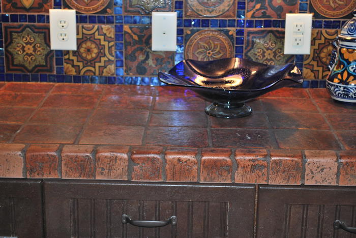 Terracotta tile used also as kitchen counter top